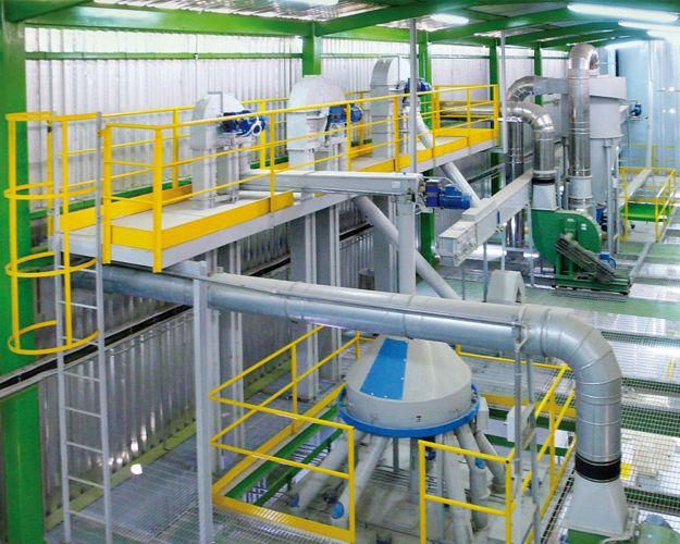 Distributore girevole per carico silos
